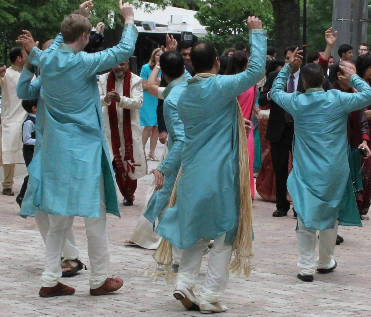 Ideas for the Baraat (Arrival of the Groom)